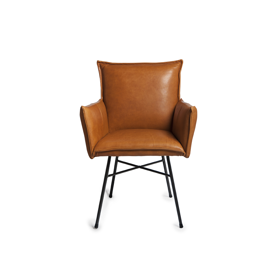 Sanne Diningchair With Arm Luxor Cognac Front (1)